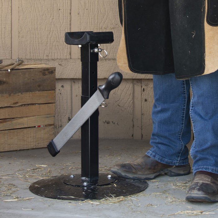 JT International Distributors Inc. Tough1 Professional Adjustable Farrier Stand_0321 copy