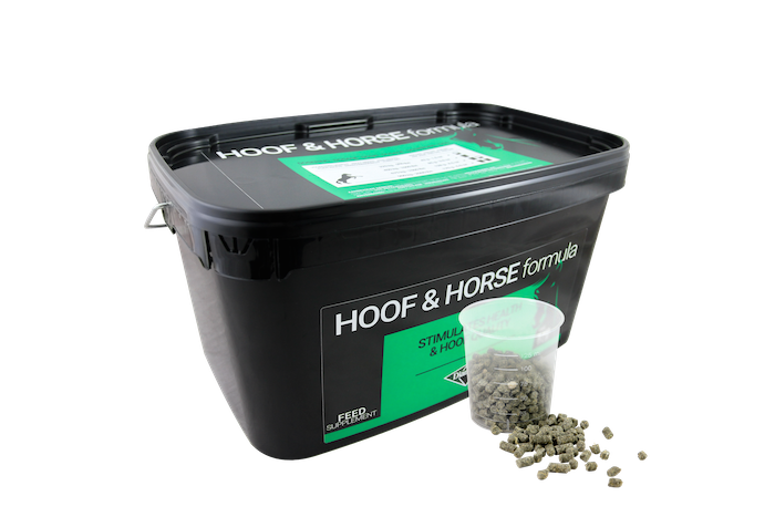 diamond hoof and horse supplement feed_1118 copy